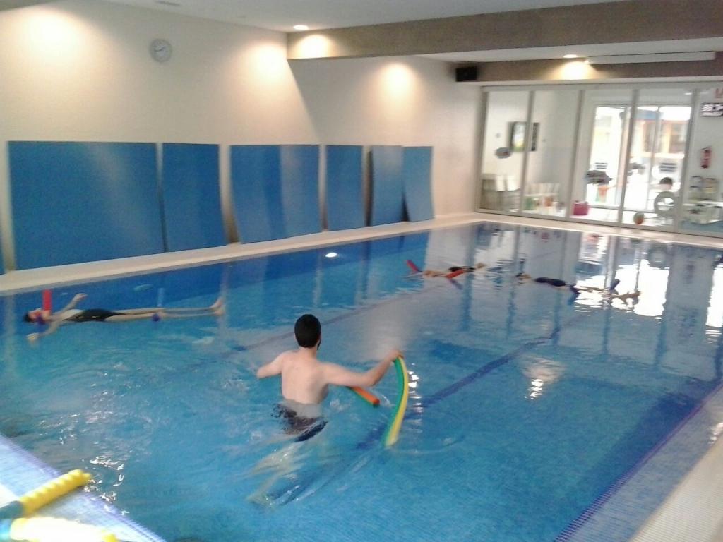 La piscina de neo kids nataci n educativa for Piscina para embarazadas